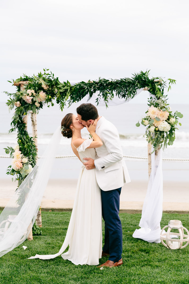 2019-aug23-dunes-club-newport-wedding-photography-rhodeisland-kimlynphotography2074