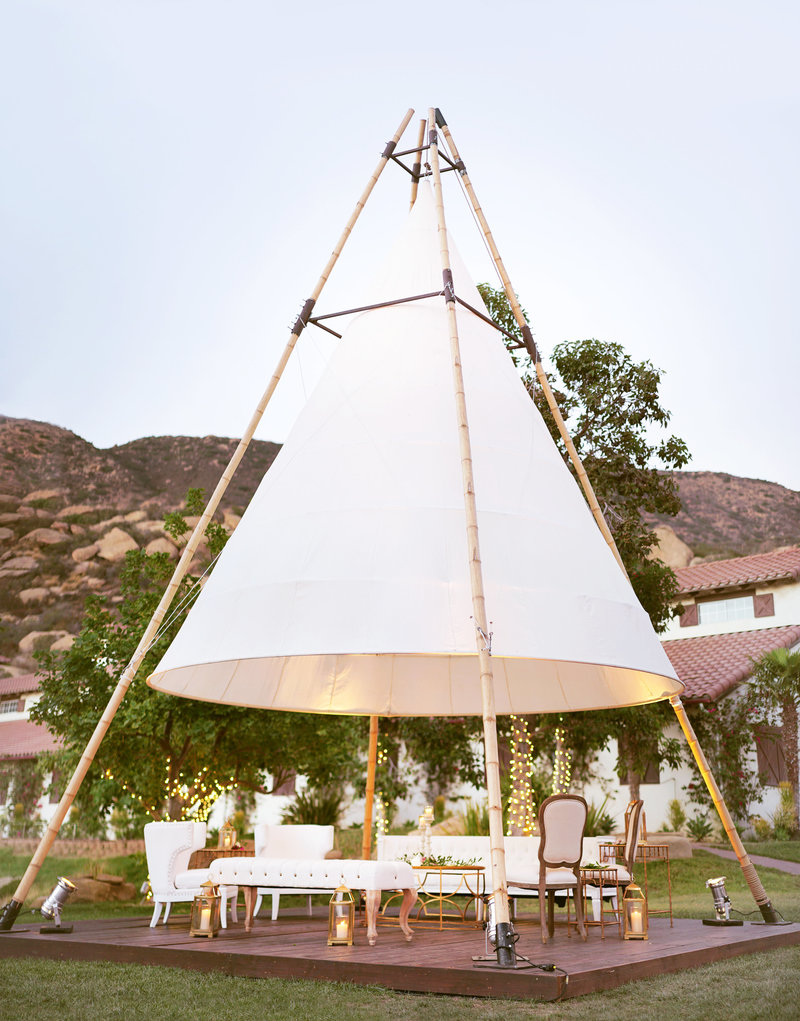Hummingbird-Nest-Ranch-Malibu-Wedding-Photographer-088