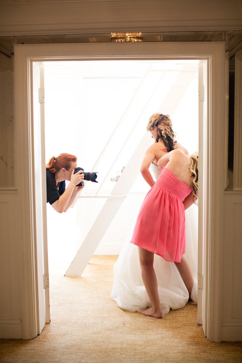 Sara France Wedding Photographer behind the scene