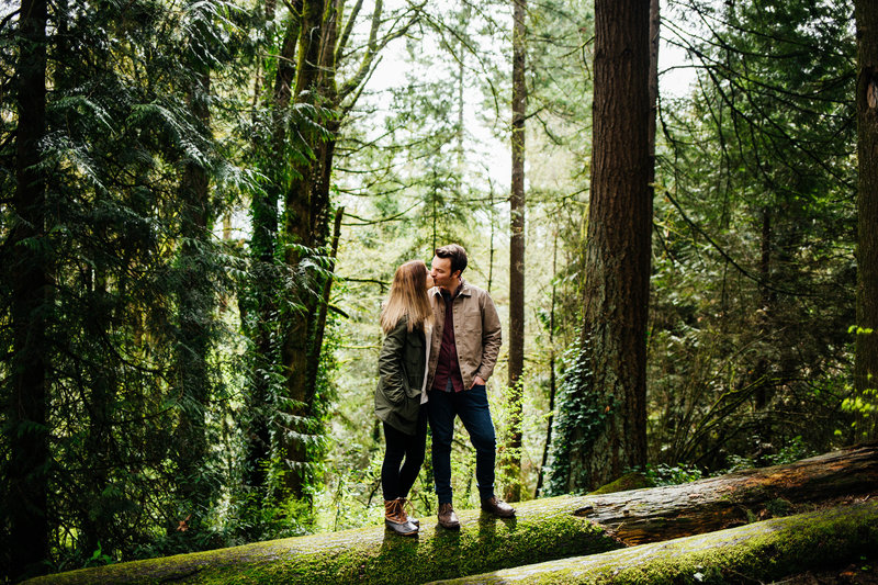 columbia-river-gorge-engagement-photos-portland-wedding-photographer-destination-wedding-photographer-erin-marton-photography-9