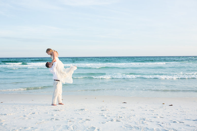 Bride & Groom on beach in Destin Florida