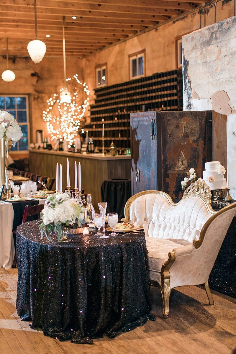 The Ingenhuette on High in Comfort Texas Wedding Venue photos by Allison Jeffers Photography_0073