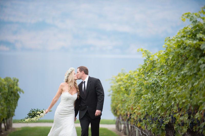 Suzanne Le Stage Photography Kelowna Victoria Vancouver Weddings Quails Gate Winery (2 of 4)