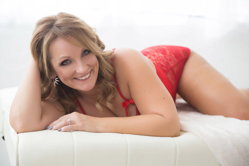 #1 West Palm Beach and Syracuse Boudoir Photographer Caitlyn Bom | Bomshell Boudoir Studios