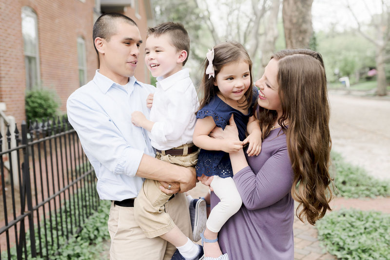Family Photography In Indianapolis Indiana Lockerbie Square _000