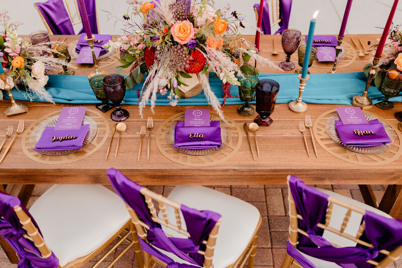 "alt=""purple table decor wedding"""