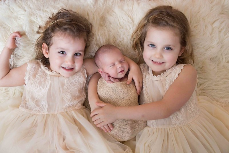 ErinMartin-Newborn-Photography-Session-Sister-Trio
