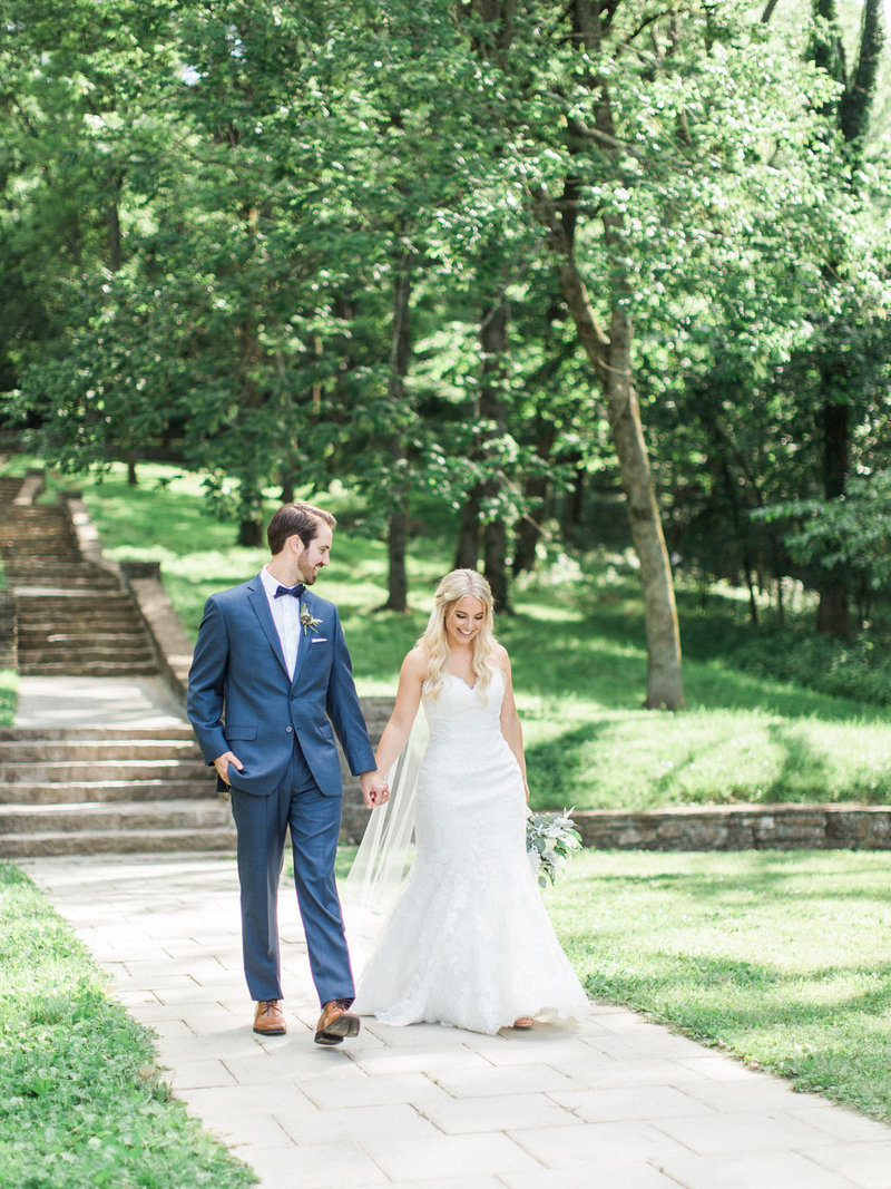 Jordan-and-Alaina-Photography-Nashville-Wedding-photographer-st-henry-loveless-barn-percy-warner-allee-bride-groom-2