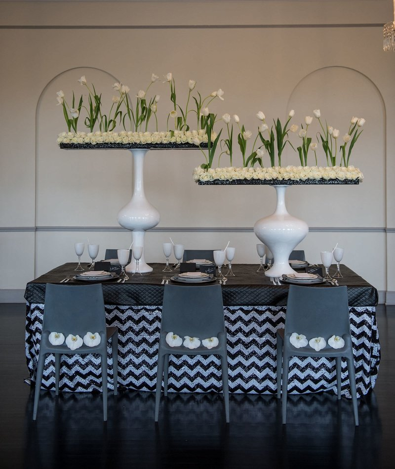 Modern Black & White Wedding at The New Haven Lawn Club