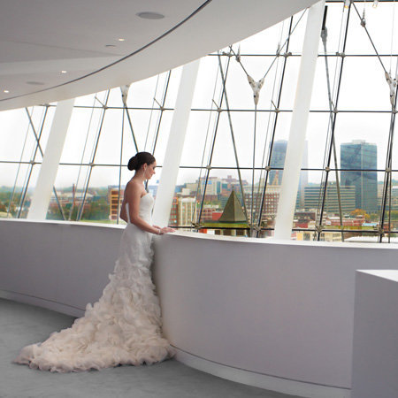 beautiful wedding at the Kauffman Center of Performing arts