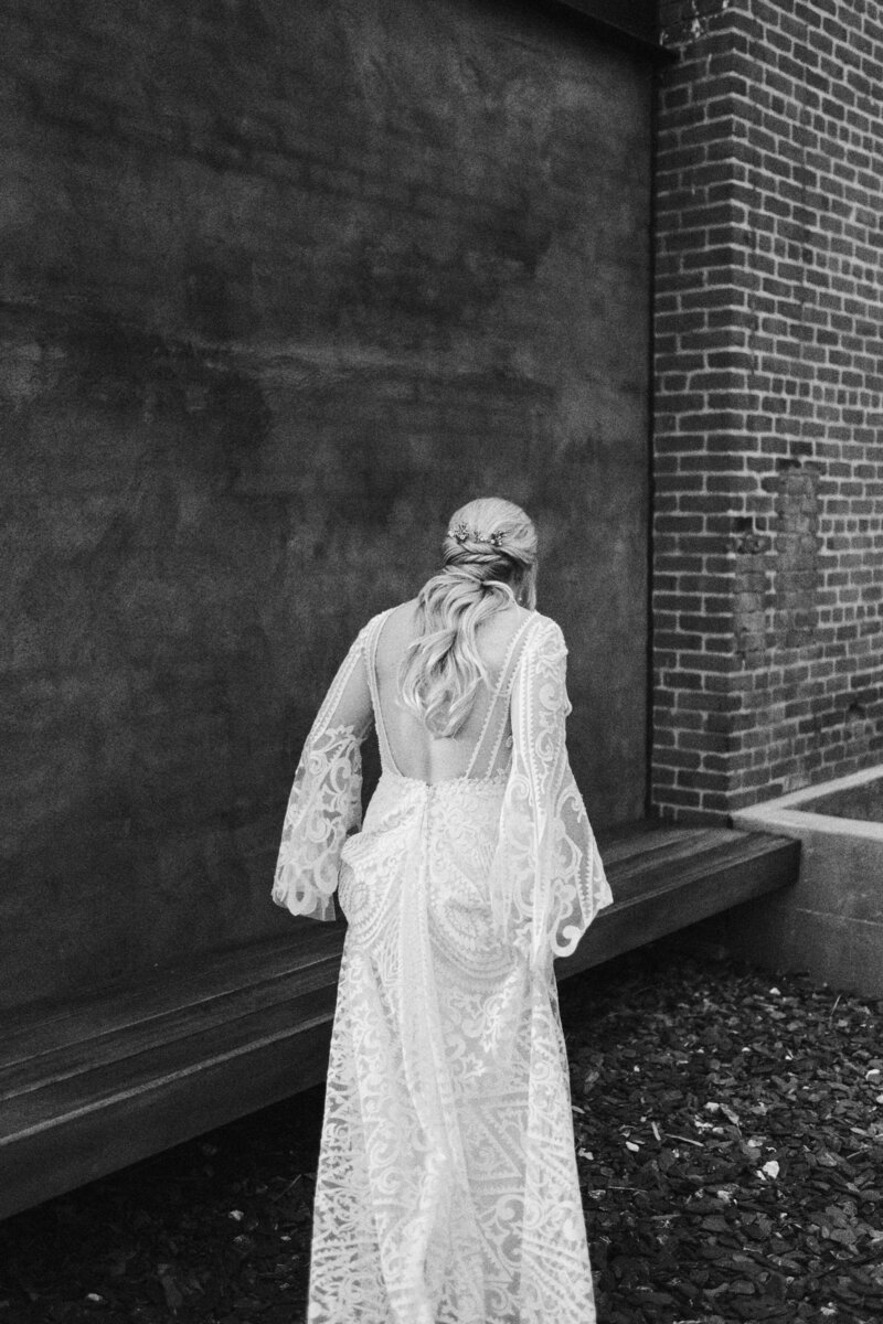 21-candid-clementine-nashville-tennessee-wedding-photographer