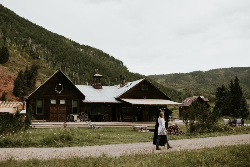 dunton-hot-springs-colorado-elopement-34