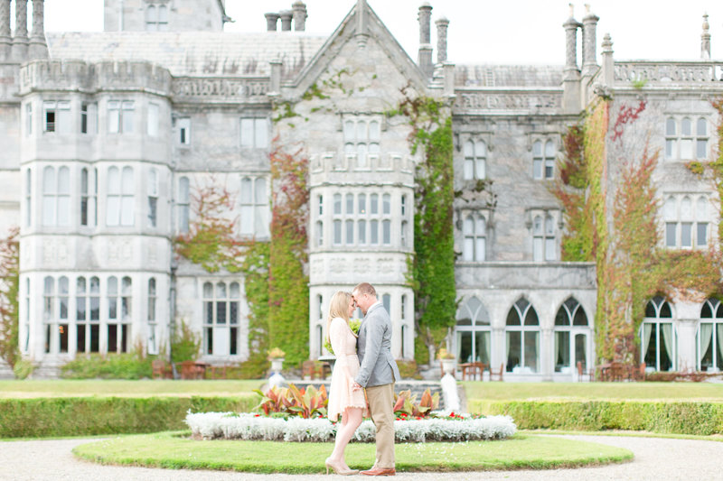 Romantic Ireland Castle Engagement Session | Amy & Jordan Photography
