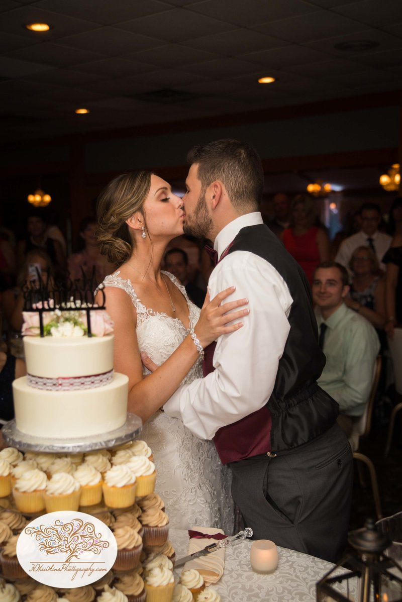 Belhurst Castle Pictures Geneva NY Syracuse Wedding Photographer-60