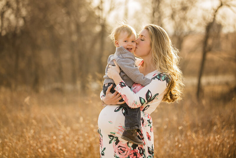 Beautiful maternity photos in Junction City and Manhattan, KS