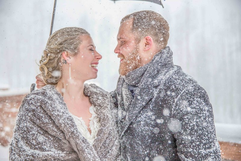 winter wedding in telluride