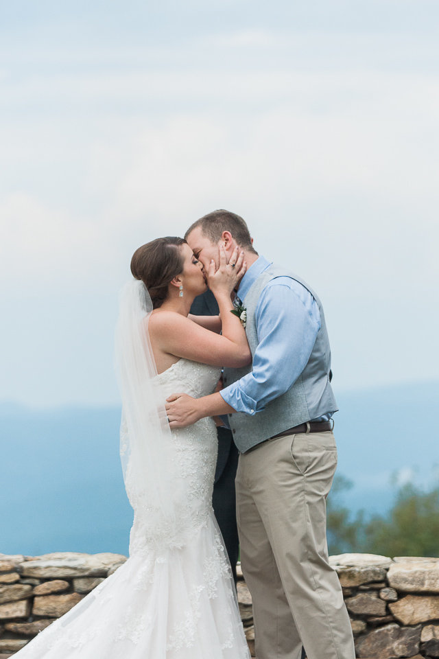 Overlook Barn Wedding Photos-1030