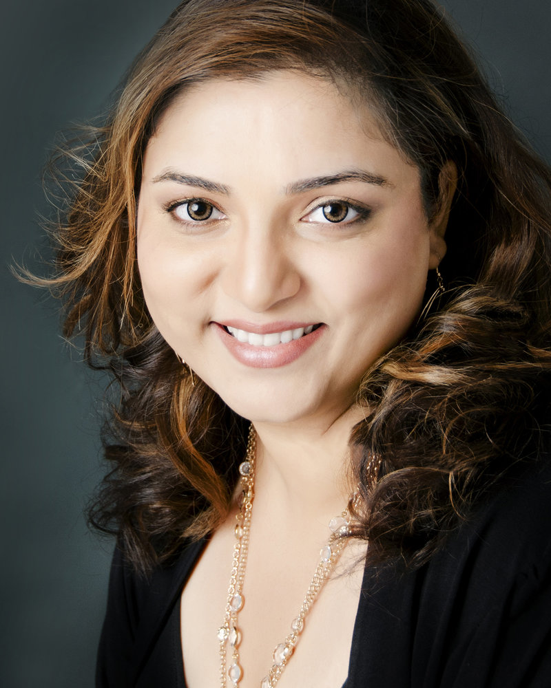 Puja-Misra-Portrait-headshot-Studio- photographer-mississauga-oakville-halton