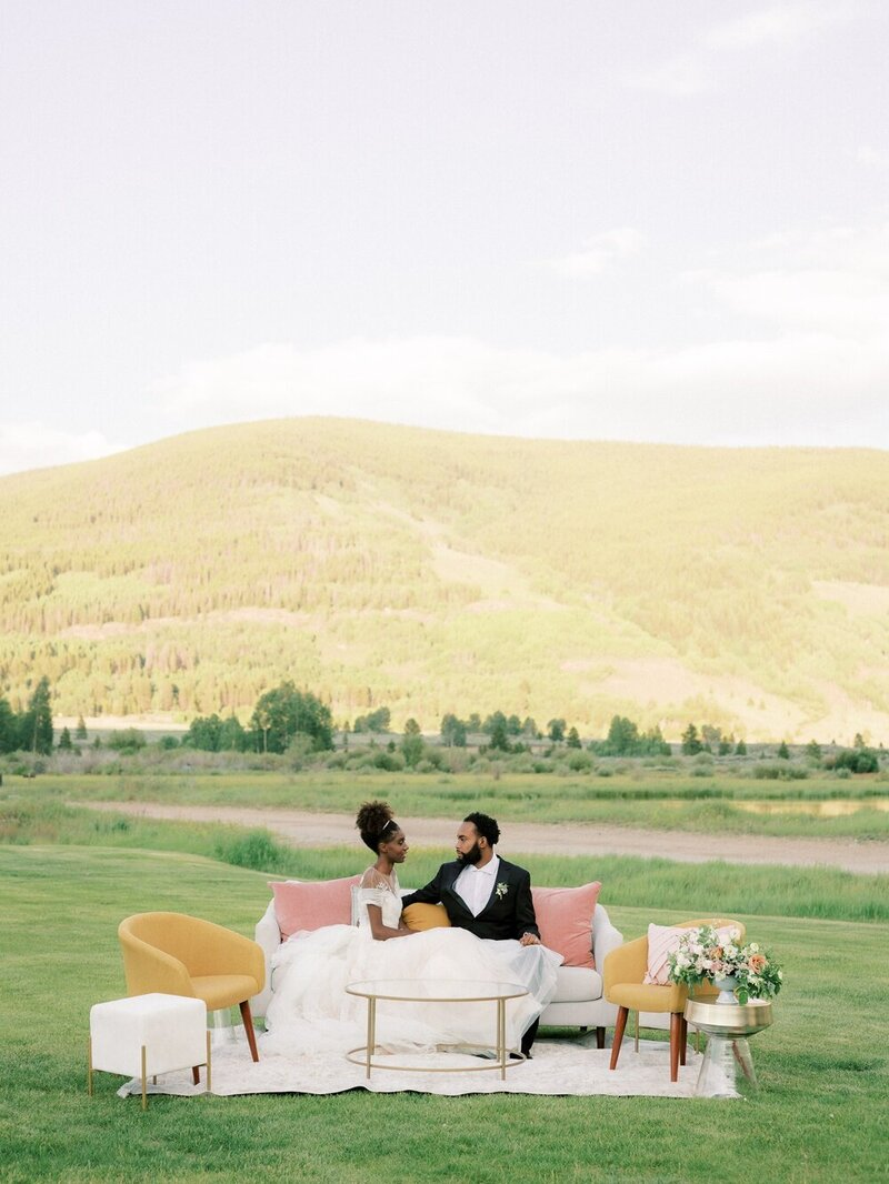 Refined and Organic Wedding in the Heart of Colorado_0005