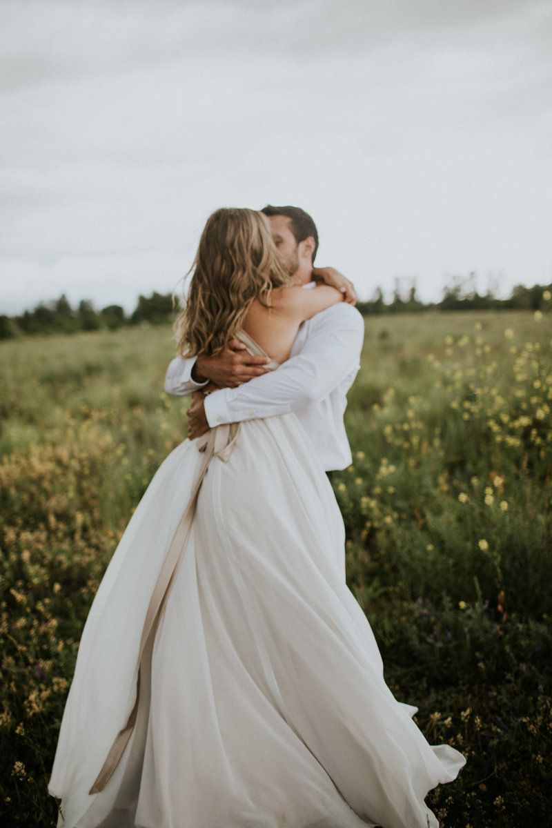 Missoula MT Elopement Couple Embracing
