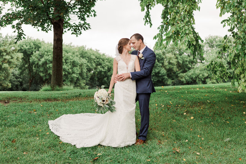 Lauren Baker Photography Minneapolis St Paul Twin Cities Wedding Senior Photographer bride and groom Edinburgh USA Golf Club