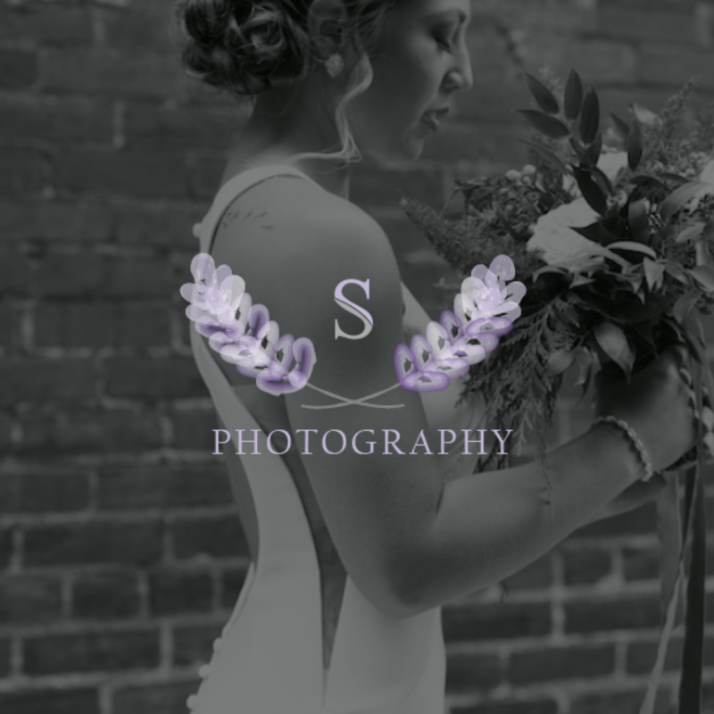 Custom logo and website for wedding photographer
