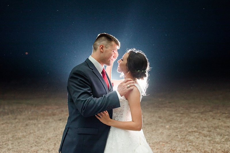 The Lodge at Country Inn and Cottages in Fredericksburg Texas Wedding Venue photos by Allison Jeffers Photography_0012