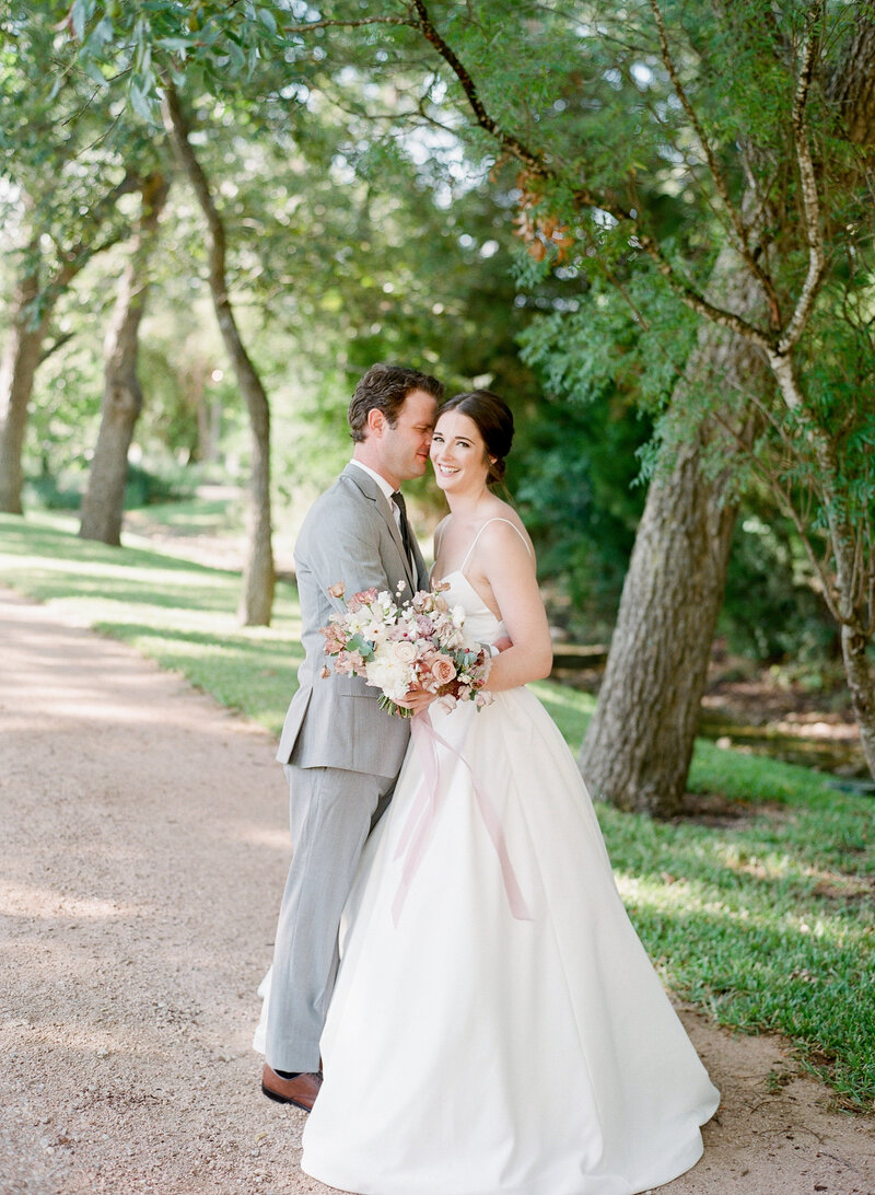 maggie-brent-pecan-spring-branch-wedding-contigo-ranch-frederickburg-46