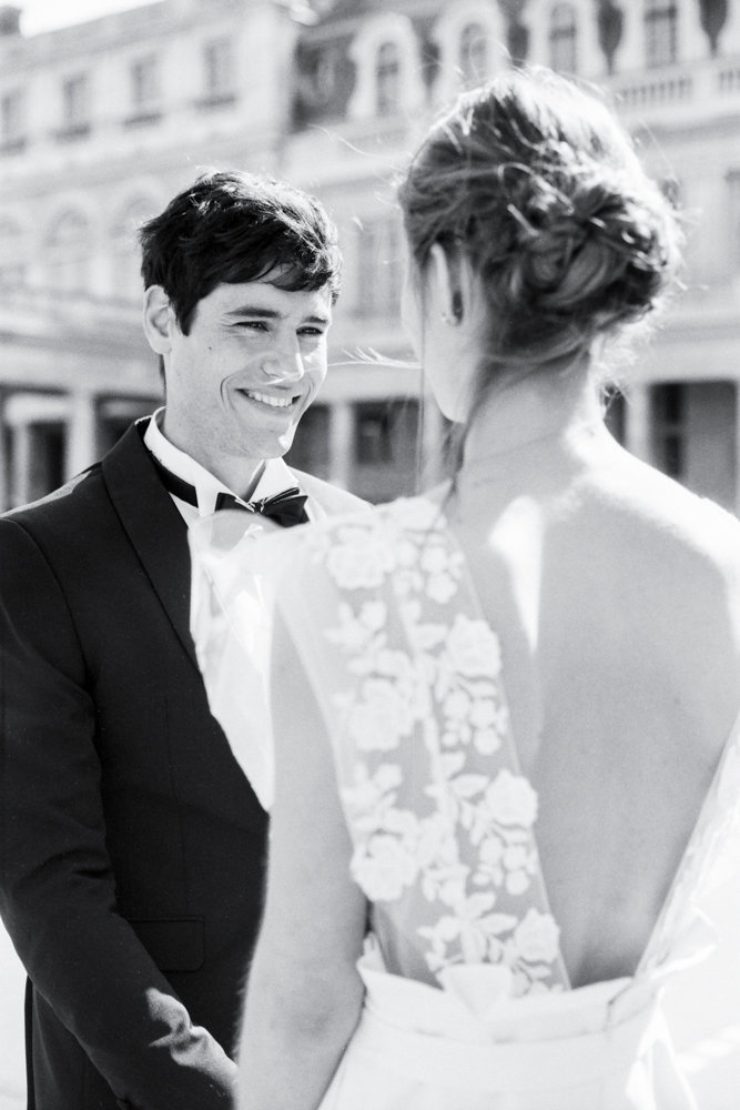 Paris_engagement_photos_palais_royal_gabriella_vanstern_ (5)