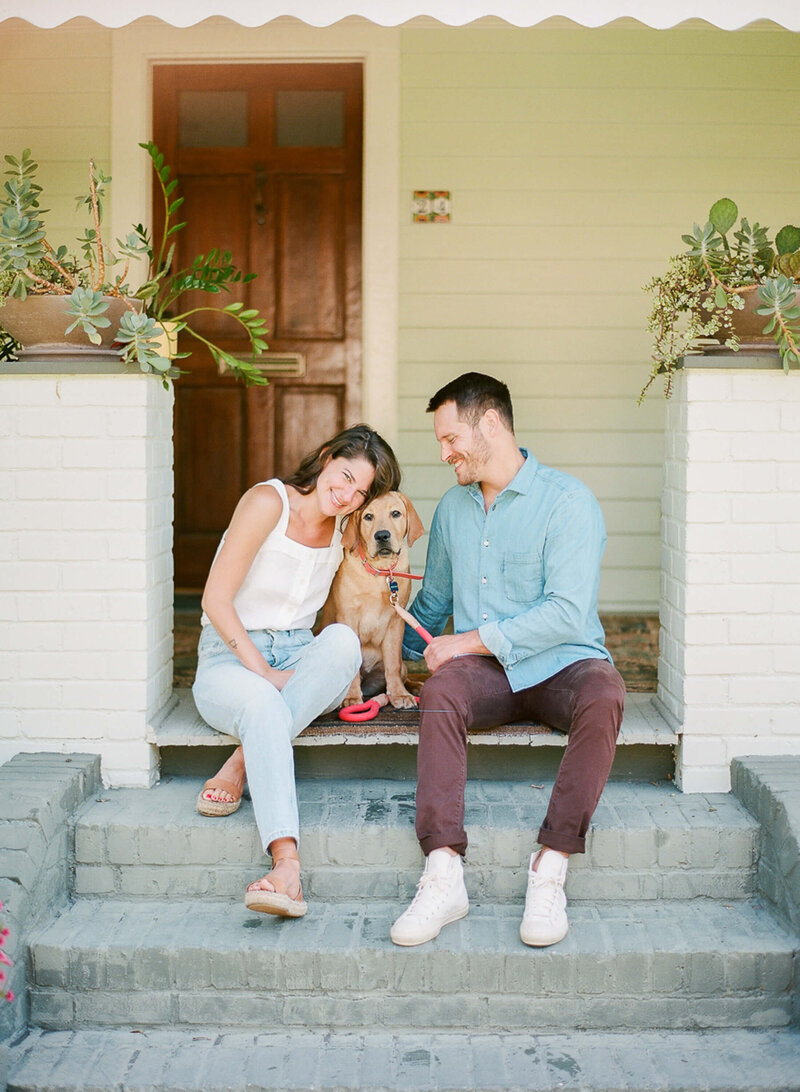 downtown-charleston-lifestyle-engagement-session-clay-austin-photography-03