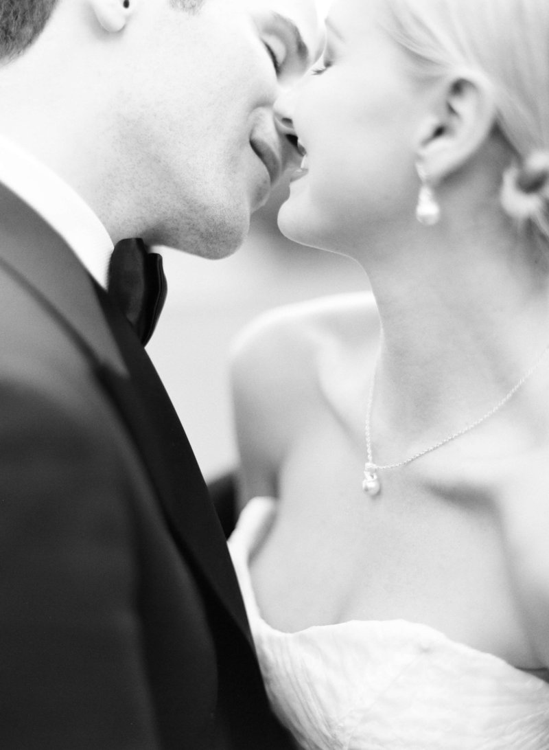 15-KTMerry-weddings-bride-groom-kiss-Palm-Beach