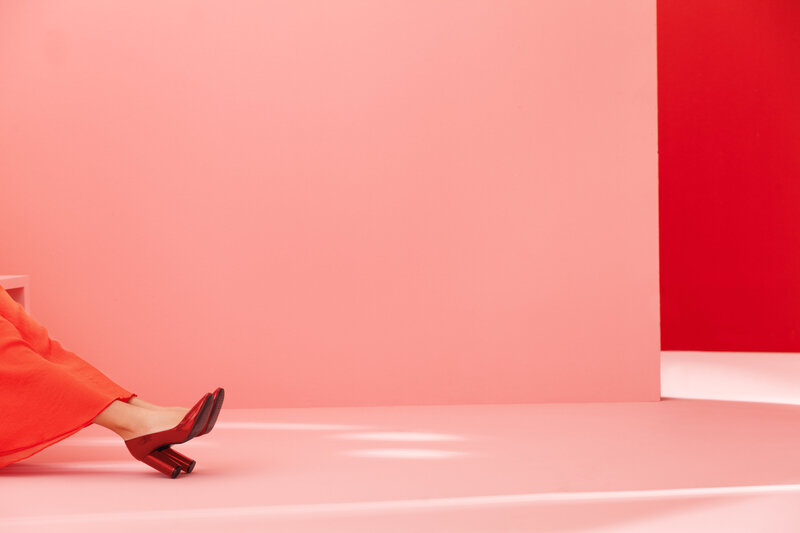 high-heels-red-and-pink-walls