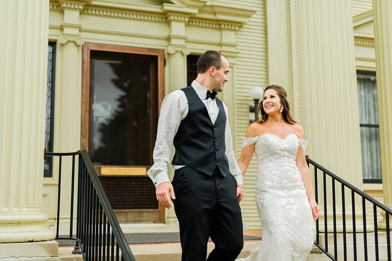 56_Downtown-Wausau-Wedding-Photos-James-Stokes-Photography