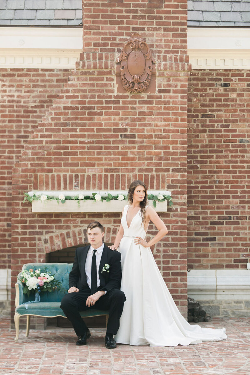 Lynwood Estate - Luxury Kentucky Wedding Venue - Fine Art Couple 00003