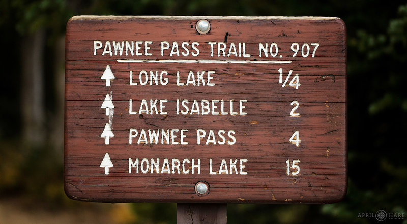 Pawnee-Pass-Trailhead-Sign-at-Indian-Peaks-Wilderness-in-Colorado
