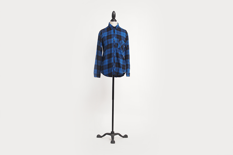 aritzia-plaid-flannel-shirt-05