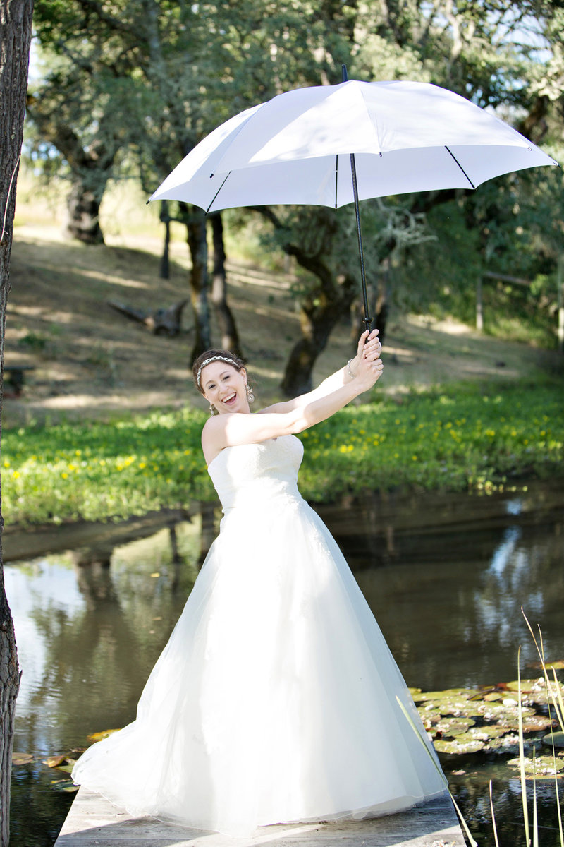 wedding photography, bride with umbrella