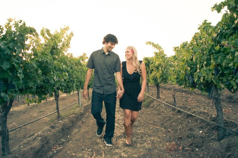 matty and heather engagement photo at Leoness Cellars