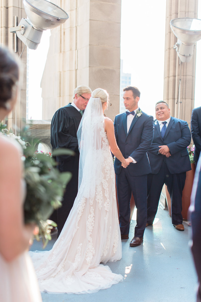 chicago-tribune-tower-wedding-nicole-jason-552