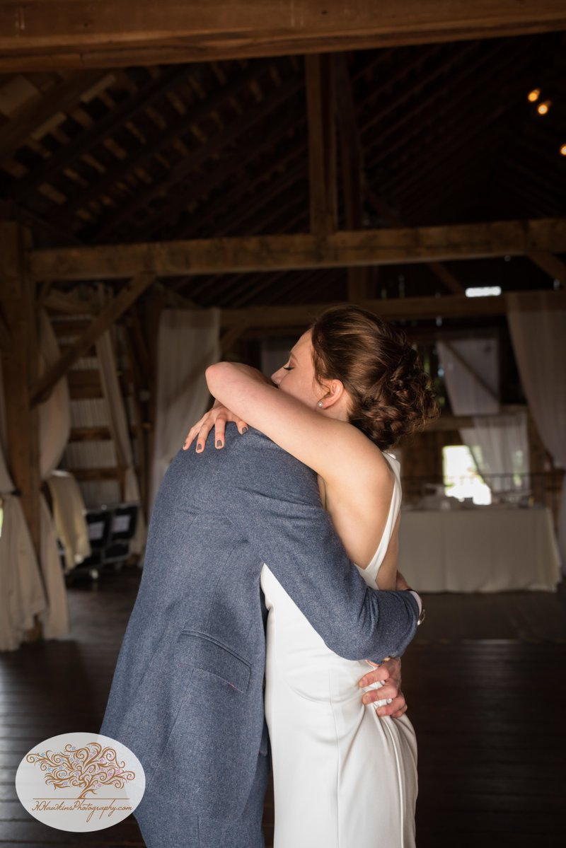 Hayloft on the Arch Fall Wedding Pictures-15