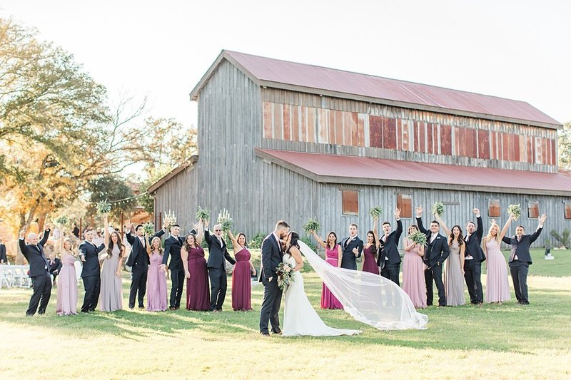 Eagle Dancer Ranch in Boerne Texas Wedding Venue photos by Allison Jeffers Photography_0054
