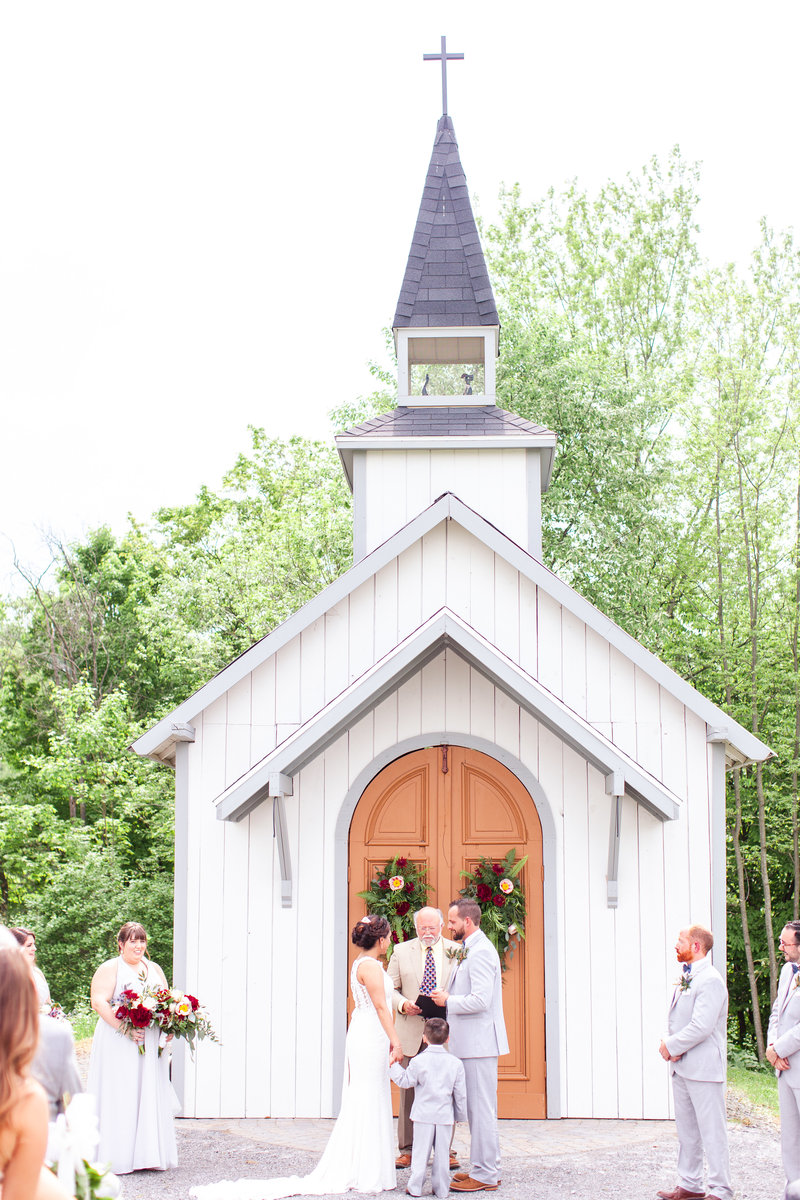amelia-keegan-wedding-lovewell-weddings-hayloft-on-the-arch-47