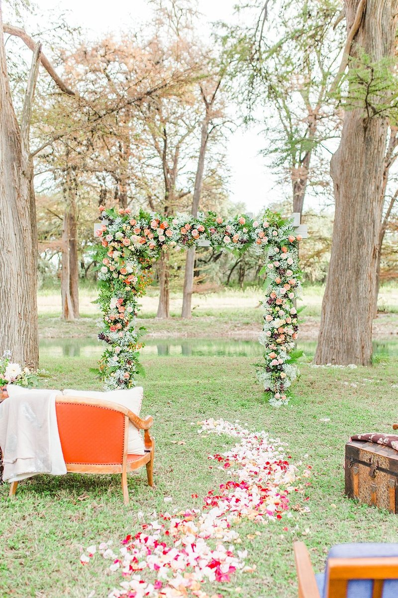 Intimate wedding in Utopia Texas Hill Country Wedding Venue photos by Allison Jeffers Photography_0019