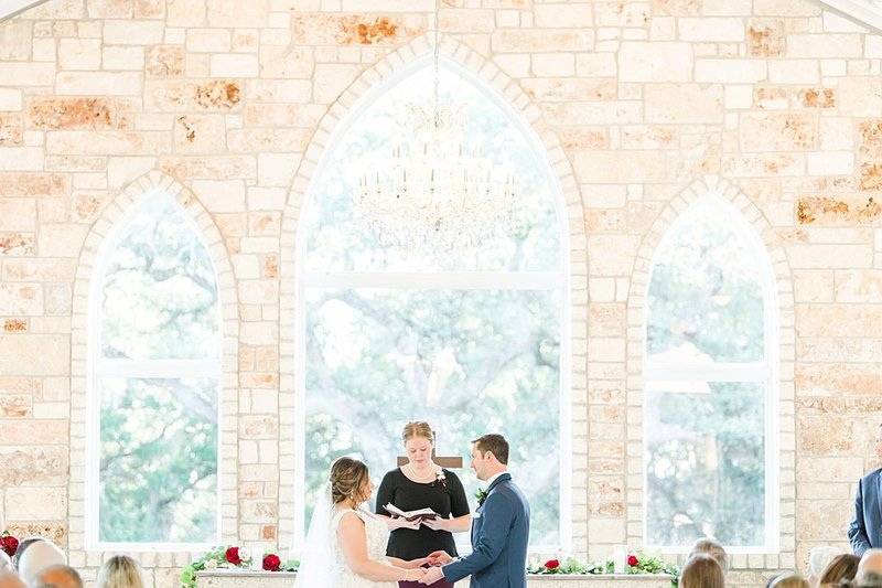 The Chandelier of Gruene in New Braunfels Texas Wedding Venue photos by Allison Jeffers Photography_0052