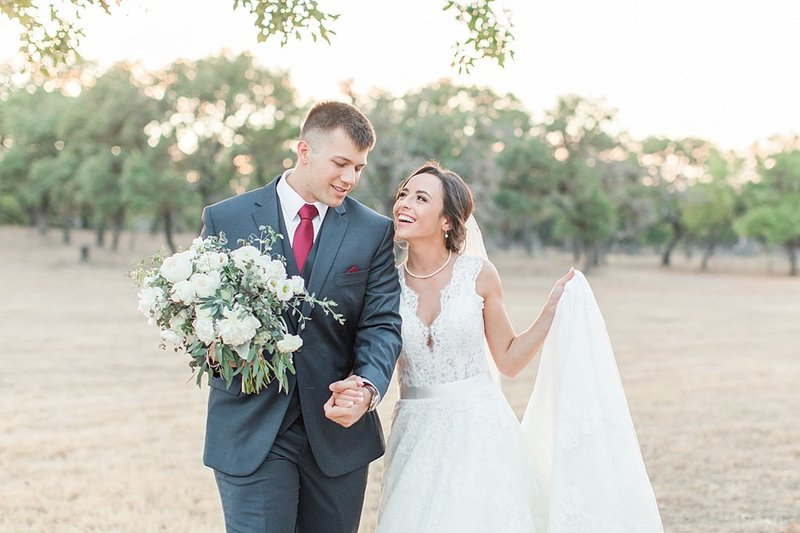 The Lodge at Country Inn and Cottages in Fredericksburg Texas Wedding Venue photos by Allison Jeffers Photography_0076