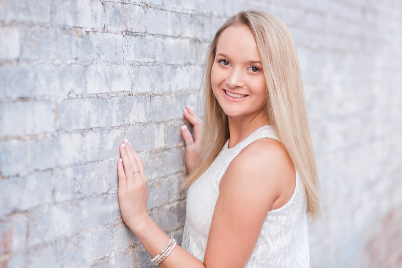kaylee-triway-downtownwooster-seniorpictures-jamielynettephotography-138