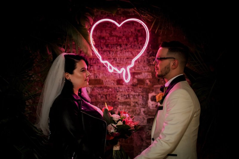 rhinegeist-neon-pink-tropical-wedding-122