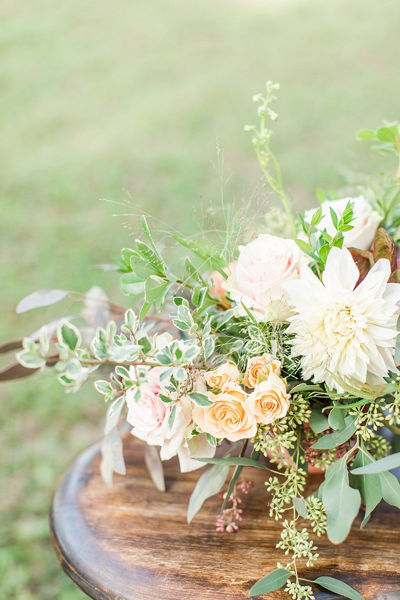 Intimate wedding in Utopia Texas Hill Country Wedding Venue photos by Allison Jeffers Photography_0012