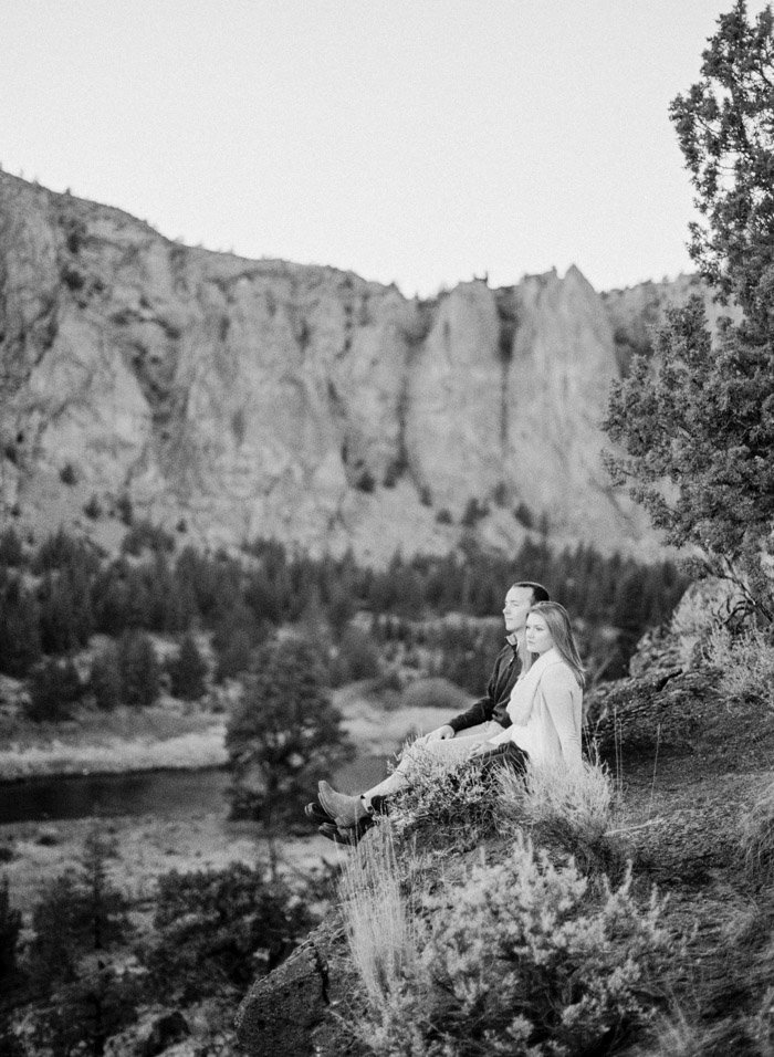 smith-rock-engagement-photographer-jeanni-dunagan-26