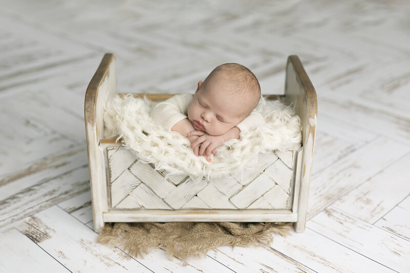 columbus-ohio-newborn-photographer-near-me-grove-city-hilliard-dublin-plain-city-marysville-springfield-beavercreek-dayton-amanda-estep-photography